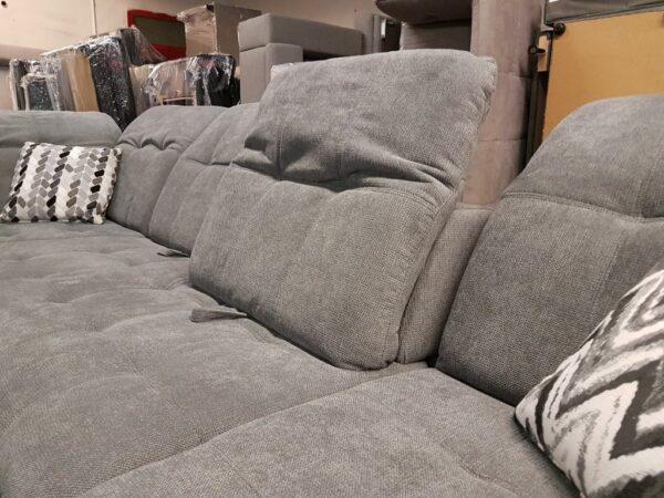 U kanapé